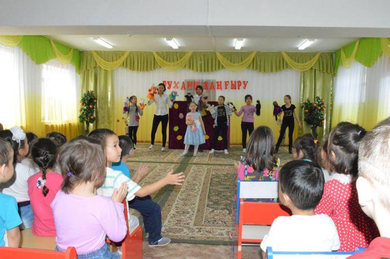 Обучающиеся Дворца школьников показали постановку кукольного театра для детишек детского сада
