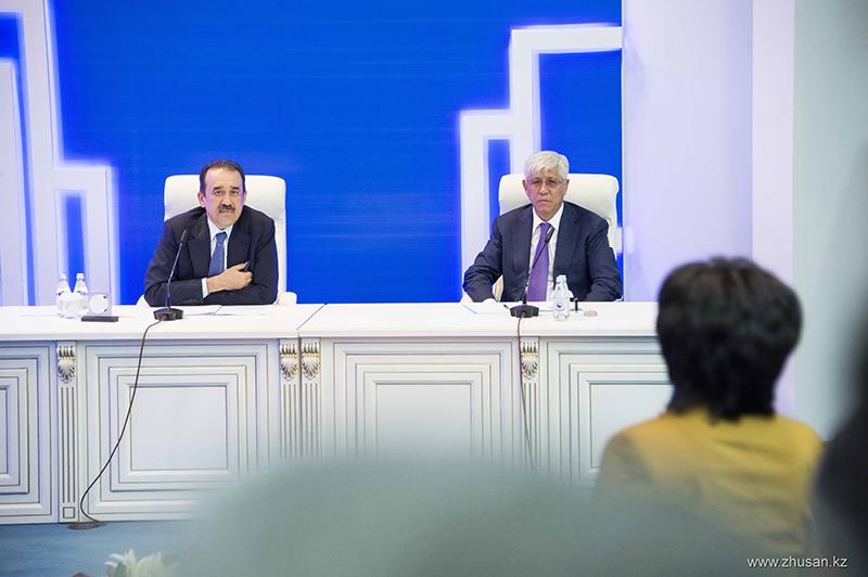 Премьер-Министр РК Карим Масимов в ходе рабочей поездки в Алматинскую область посетил Дворец школьников в Талдыкоргане.